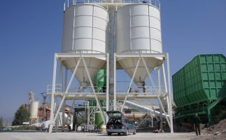 Removable silos with panels
